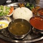 83399649 - ネパール  タカリランチセット