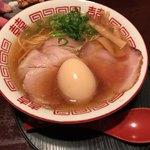 83400169 - あっさり魚介醤油ラーメン(650円税込)は醤油控えめであっさりかつコクのあるスープは飲み干せます。