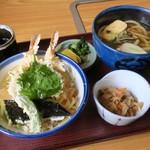 喜両由 - 天丼定食   天丼はツインえび天に天ぷら色々 汁だく系  うどんは太めコシというより硬めで特徴あり 好きなタイプ