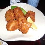 カトーズ ダイニングアンドバー - 岩手県産の若鶏の唐揚げの拡大写真です。