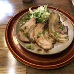 鶴亀屋春慶 - 炙り手づくり厚切焼豚