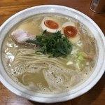桐麺 - 鶏麺しょうゆ ※味玉追加