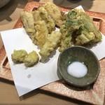 三代目 まる天 - 鰯と春野菜の天ぷら