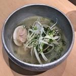 三代目 まる天 - ハマグリのガーリックスープ煮