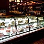 椿屋珈琲店 - シフォンケーキも人気らしい