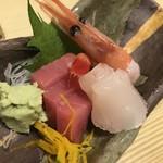 鶴べ別館 - お刺身(マグロ赤身、真鯛、甘海老)