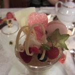 資生堂パーラー サロン・ド・カフェ - マシェリ ホワイトブーケパフェ♡(\1,750-)