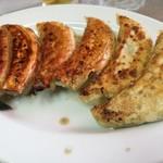 宝来 - 肉料理じゃなくて野菜料理な餃子