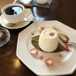 83421822 - 期間限定の桜レアチーズケーキ