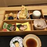 鶴べ別館 - 四季の箱(上)       ¥2160(税込価格)