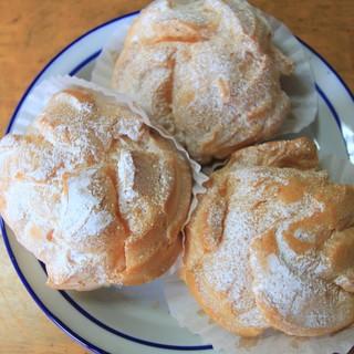 森のケーキ屋 クリム - 料理写真:「シューCreme 」1個 140円