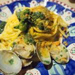 トララロッチャ - アサリと菜の花のカラスミ パスタ