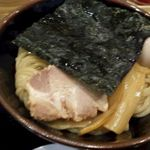 舎鈴 - 麺の盛り付け