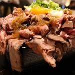 1ポンドのステーキハンバーグ タケル - 特盛ローストビーフ重