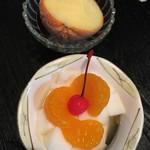 久香亭 - オレンジシャーベットと杏仁豆腐