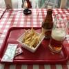 ヴェネツィア カフェテリア - 料理写真:フライドポテト、280円、小樽ビール、500円です。