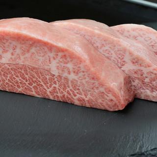 【食材厳選】黒毛和牛、牡蠣…全てにこだわる美味しさの真骨頂!