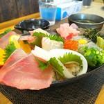 しらす料理の豊洋丸 - しらす海鮮丼 up