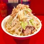 ラーメン二郎 - 小ラーメン麺半分 ヤサイ、アブラ