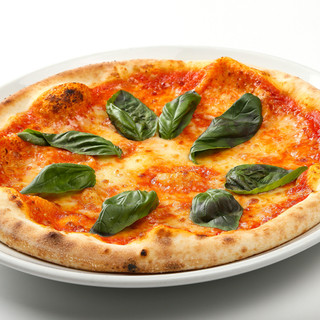 もちもち生地が美味しいピッツァも充実!