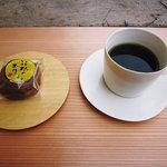 箱根菜の花展示室 - 料理写真:コーヒー&お菓子(箱根のお月さま)