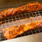 焼肉食べ放題 NIKULAB 博多筑紫口店 - 好評の壺漬けカルビを人数分! +大盛ご飯でOTR(オンザライス)。