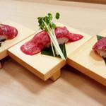肉寿司1貫