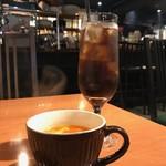肉バルCo-Lab - アイスコーヒーとスープ