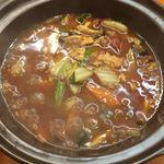彩雲瑞 - [香辣猪頬煲] 豚ホホ肉のピリ辛土鍋煮
