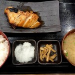炭火焼干物定食 しんぱち食堂 - 旬の魚定食 黒ムツ照り焼き