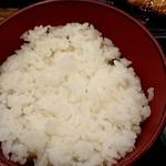 炭火焼干物定食 しんぱち食堂 - ご飯