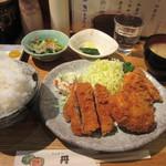 とんかつ・和食 丹 - ヒレ、カキフライ定食とクリームコロッケ追加