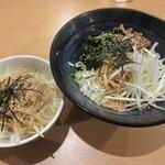 我流らーめん 心瀧 - 料理写真:にぼたつ&小ねぎ肉めし2018.04.01