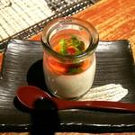 囲炉裏の蔵 じげん - 杏仁豆腐150円