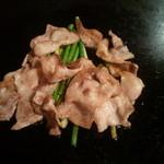 いってつ - 豚肉とニンニクの芽