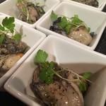 新宿三丁目 ビストロ向日葵 - 牡蠣のオイル煮