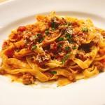 イタリアン&バール アルバータ - 筍と牛すじのラグーソース