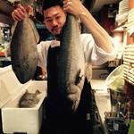 新宿三丁目 ビストロ向日葵 - 産直のお魚と店長(笑)