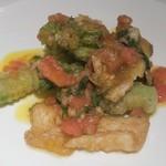 83481634 - 穴子と春野菜のフリット、フレッシュトマトソース