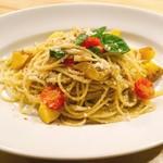 イタリアン&バール アルバータ - 蒸し鶏と新じゃがのジェノベーゼ