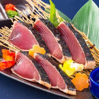 春の食材。ホタルイカや鯛・鰹、旬の野菜をお楽しみください。