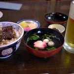 うなぎ料理 山品 - ほいほい丼&生ビール~☆