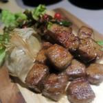 個室 肉屋の肉バル さいたま肉の会 - 和牛サイコロステーキ