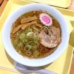 佐野サービスエリア(上り線) スナックコーナー - 佐野ラーメン 650円