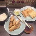 83488929 - 焼餃子+揚餃子+ライス ¥560-