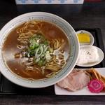 """あさめし前田""""本舗 - 醤油ラーメン(800円)"""