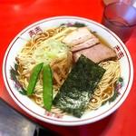 太平楽 - 料理写真:あごダシ中華そば 中 650円