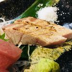 炭魚酒菜 わなか - ブリの炙り。塩が合う。