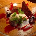 グラフスタジオ - 本日のデザート:ガトーショコラ&お芋のジェラート☆