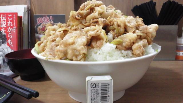 伝説のすた丼屋 横浜西口店 - 盛り